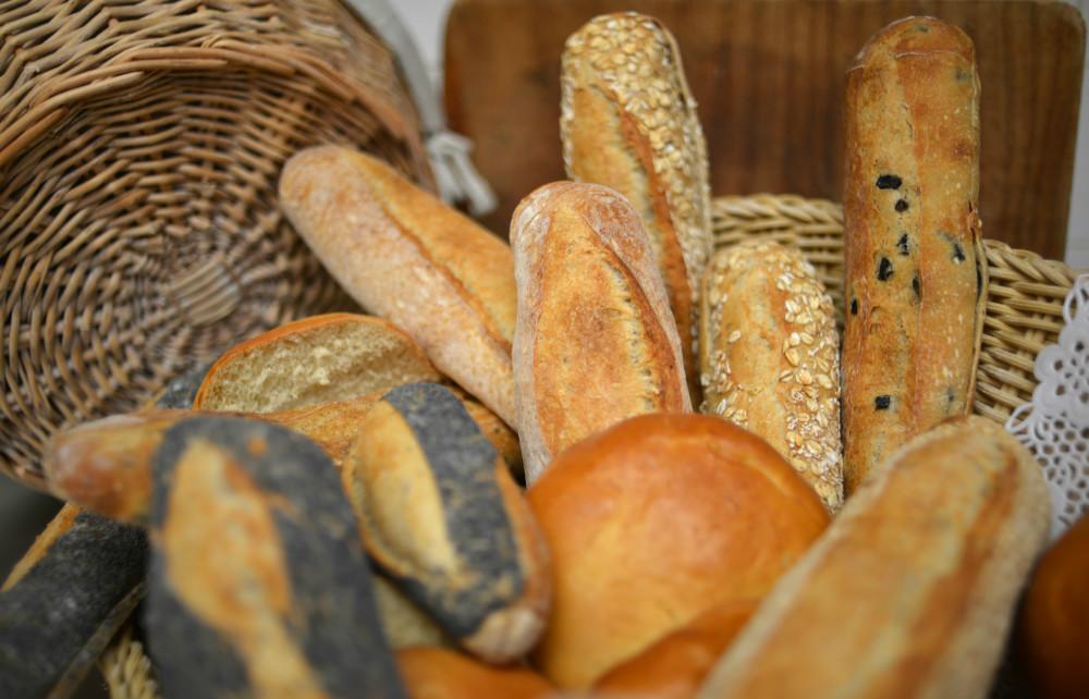 Vous choisissez votre pain: baguette Tradition, sesame, pavot, olives ou burgers